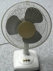 image of a small desk fan