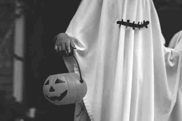 Spooky Office Halloween Decoration Ideas