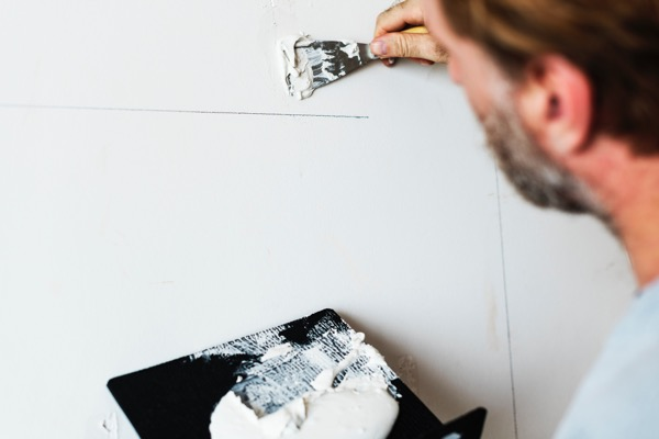 Benefits of Hiring a Professional Painter and Decorator
