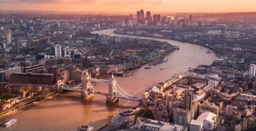 London Bridge Sunrise, keep London clean